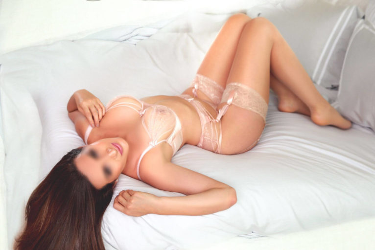 Marie - body to body massage London