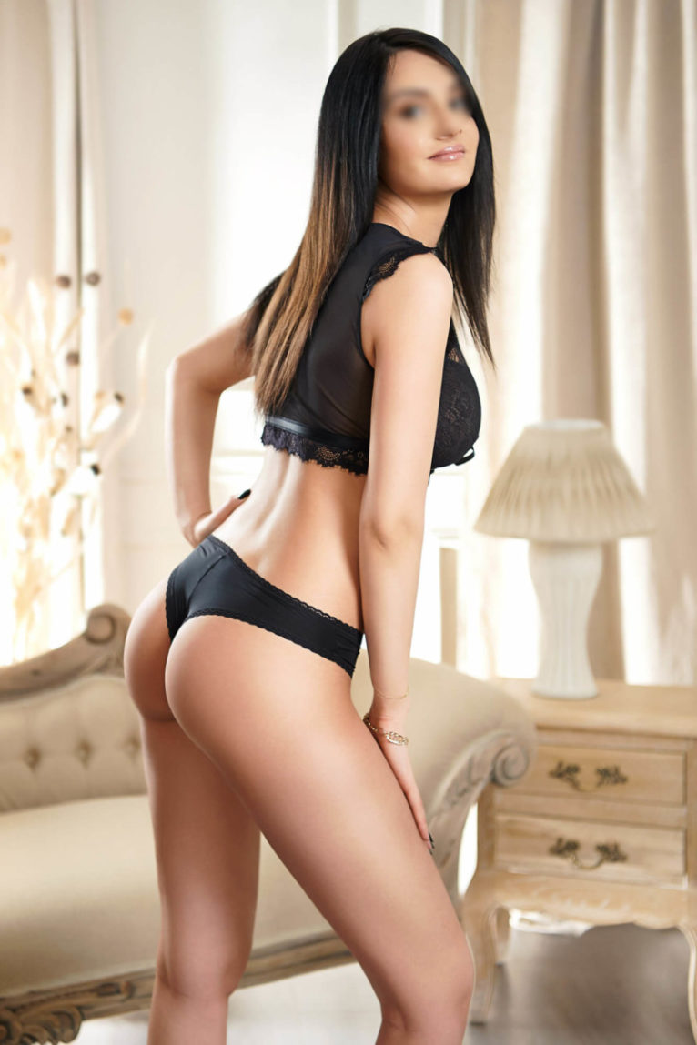 Marina - erotic massage in Bayswater